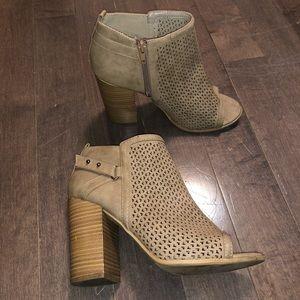 ❌ Brown Booties